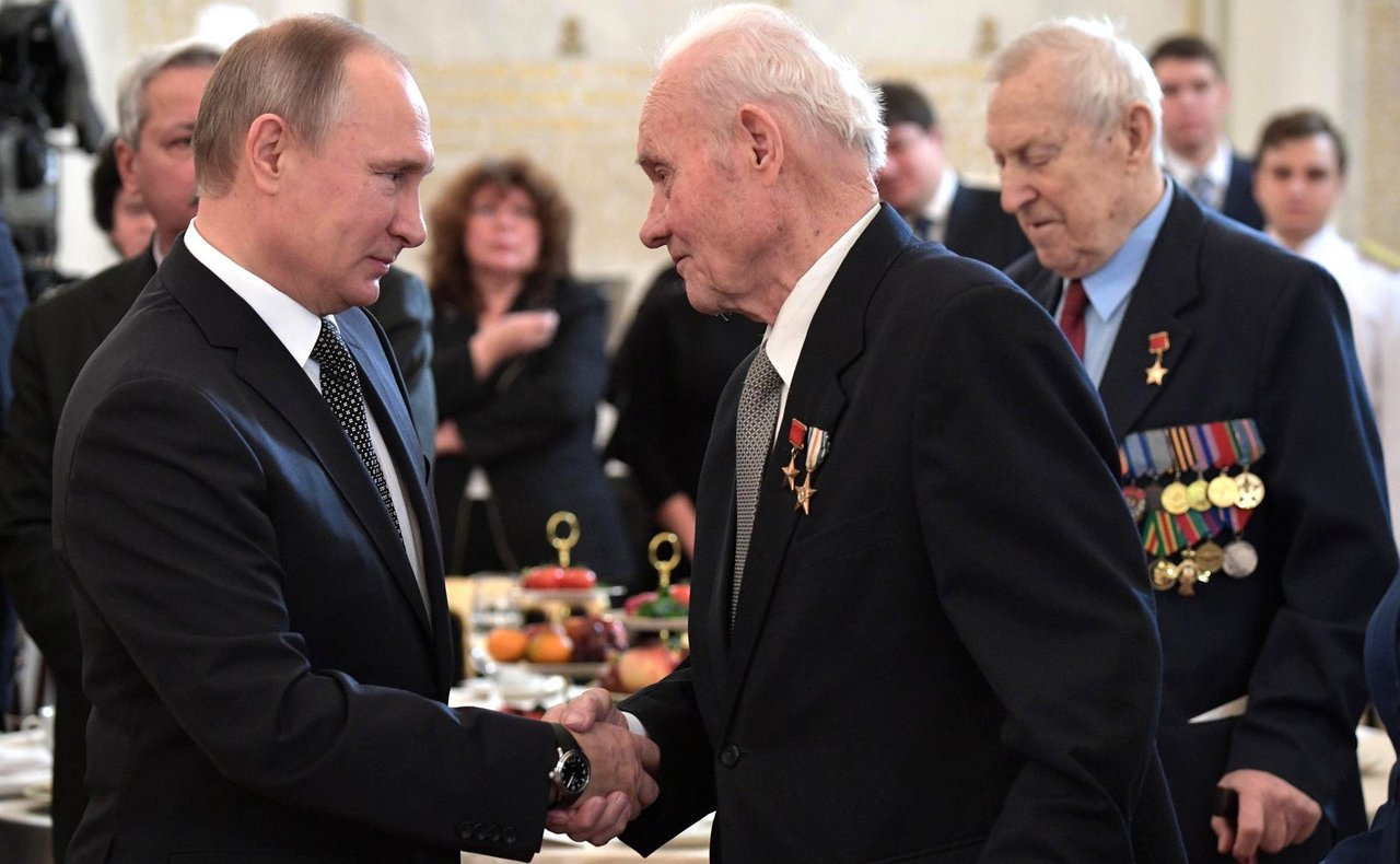 9 декабря Россия отмечает День Героев Отечества