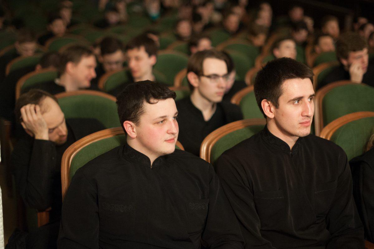 Студенты духовной академии исследуют боевой путь солдат Великой Отечественной