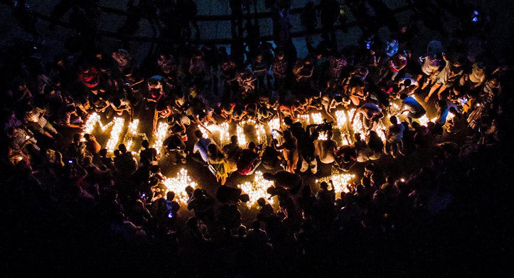 В Бишкеке на площади Победы прошла традиционная патриотическая акция «Свеча памяти»